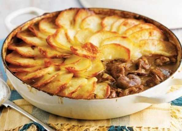 Lancashire Hotpot - British Meals